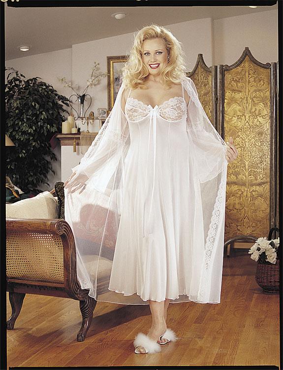 фото дам в прозрачных платьях
